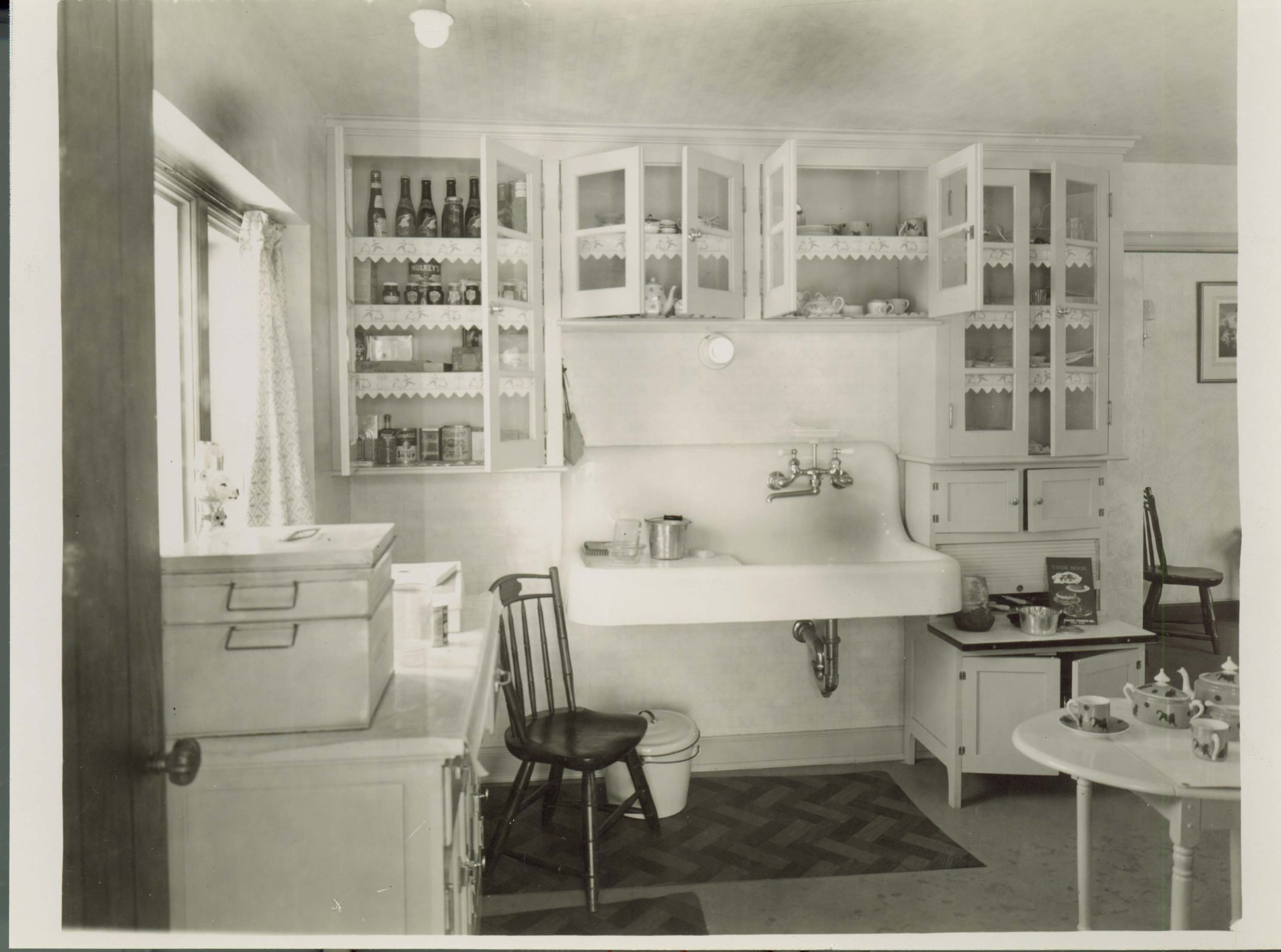 Figure 3. Knole Cottage. Kitchen, designed by William Kapp of Smith, Hinchman and Grylls, 1926. Photograph courtesy Meadow Brook Hall Archives.