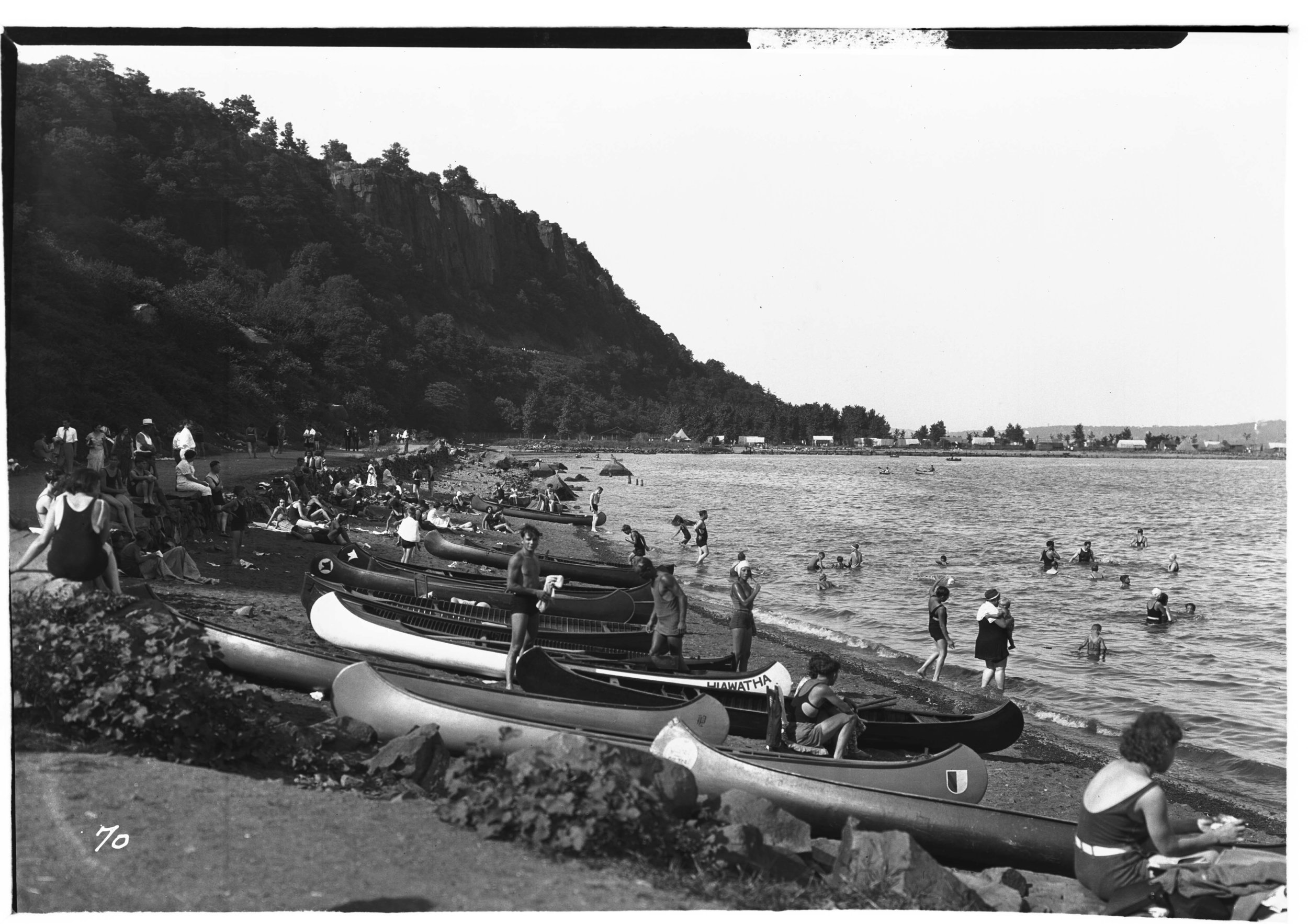 Figure 1. Paddlers on Carpenter's Beach, circa 1932. Courtesy of the Palisades Interstate Park Commission.