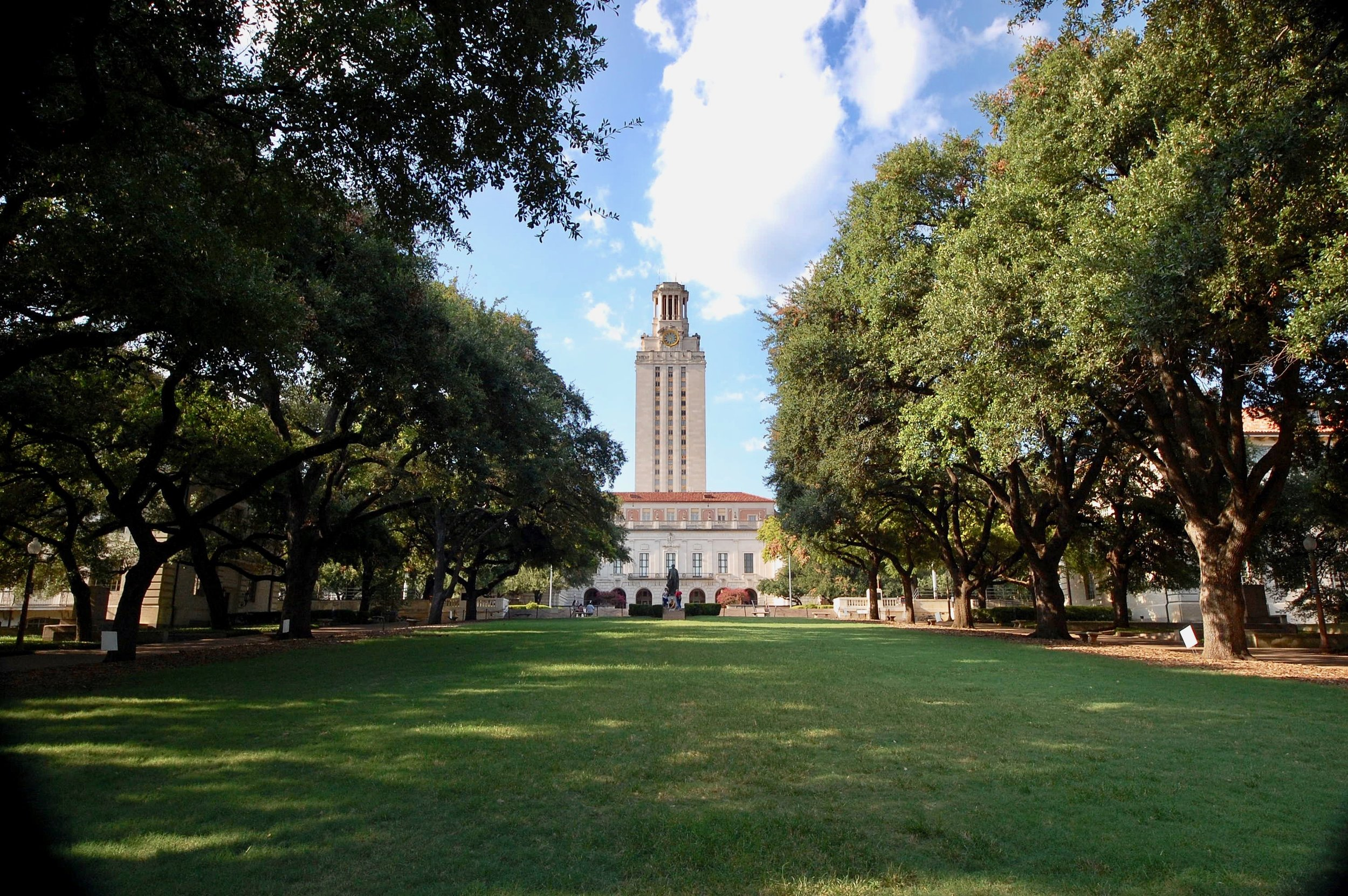 Figure 1. The University of Texas at Austin Main Tower Building as seen from the South Mall lawn, 2019. The tower was designed by Paul Cret and completed in 1937. In 1966 it was the site of one of the first major campus shootings in the United States. Photograph Willa Granger.