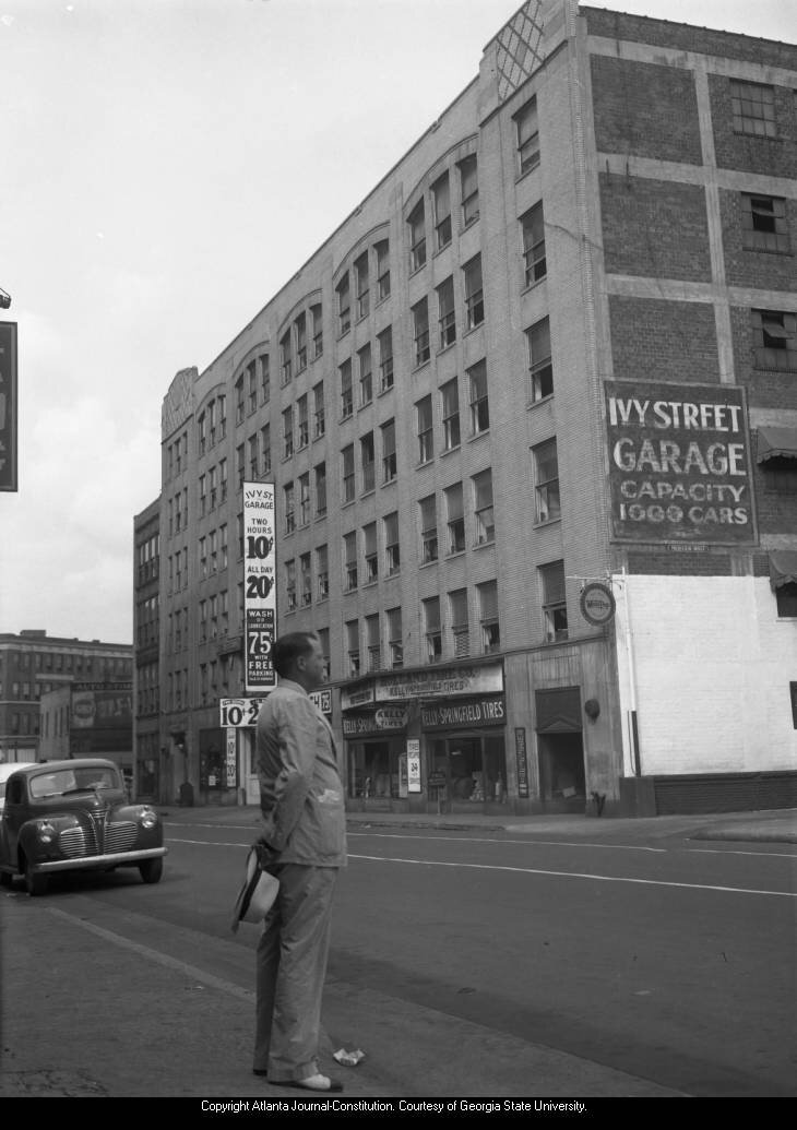 """Figure 3. Bolling Jones Building (or """"Ivy Street Garage""""), 1946. AJCN048-014d, Atlanta Journal-Constitution Photographic Archives. Special Collections and Archives, Georgia State University Library."""