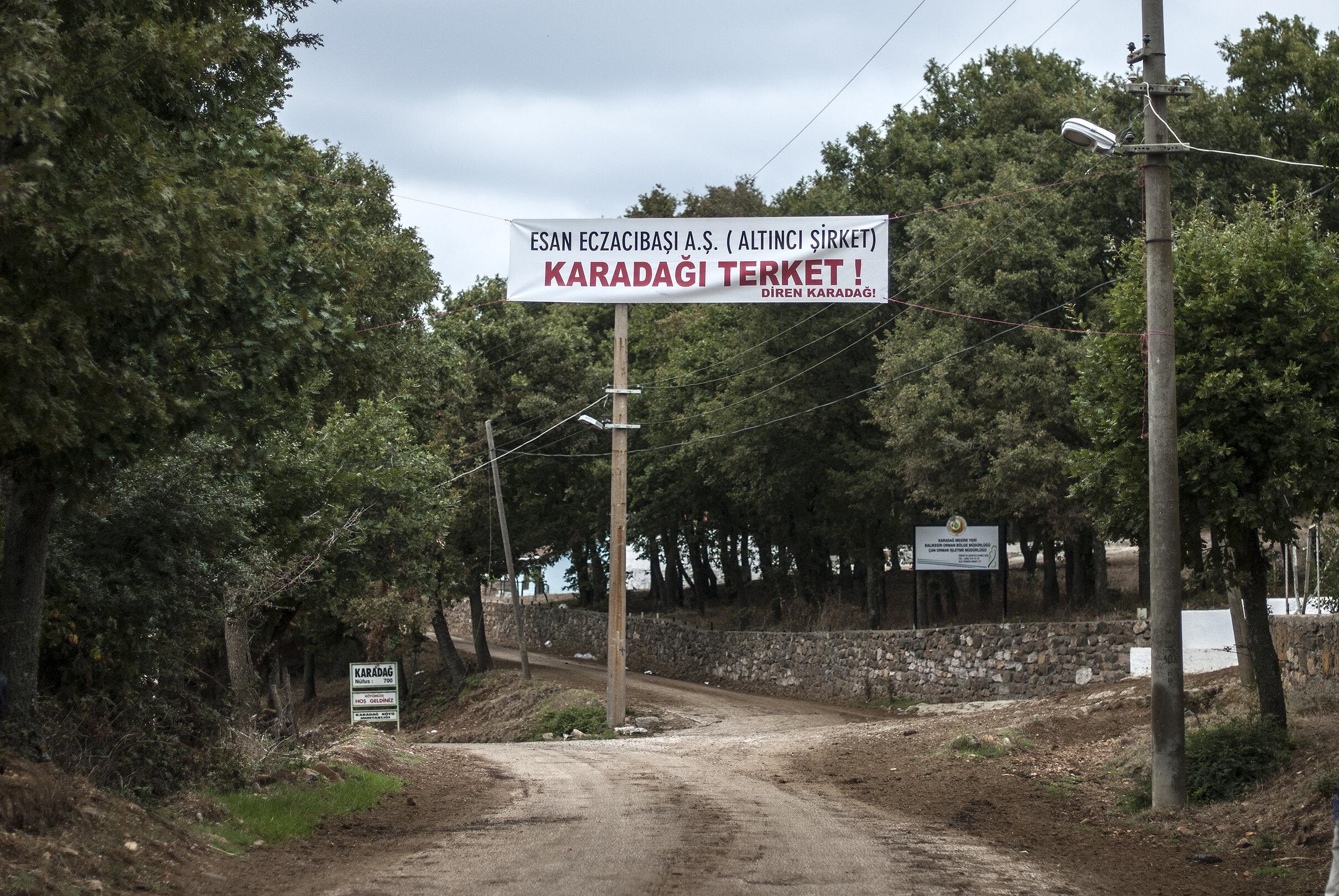 Views from protests in 2014 against Eczacıbaşı's mining activities in southwest Marmara (3/4) (courtesy of Aykan Özener)