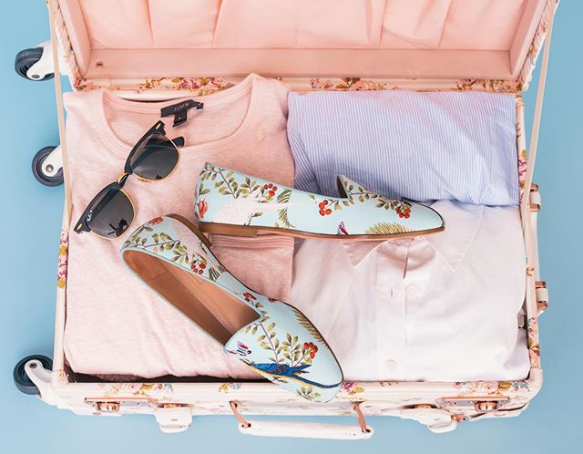 Don't mind us, just over here itching to pack for #LDW a whole week early 🕶