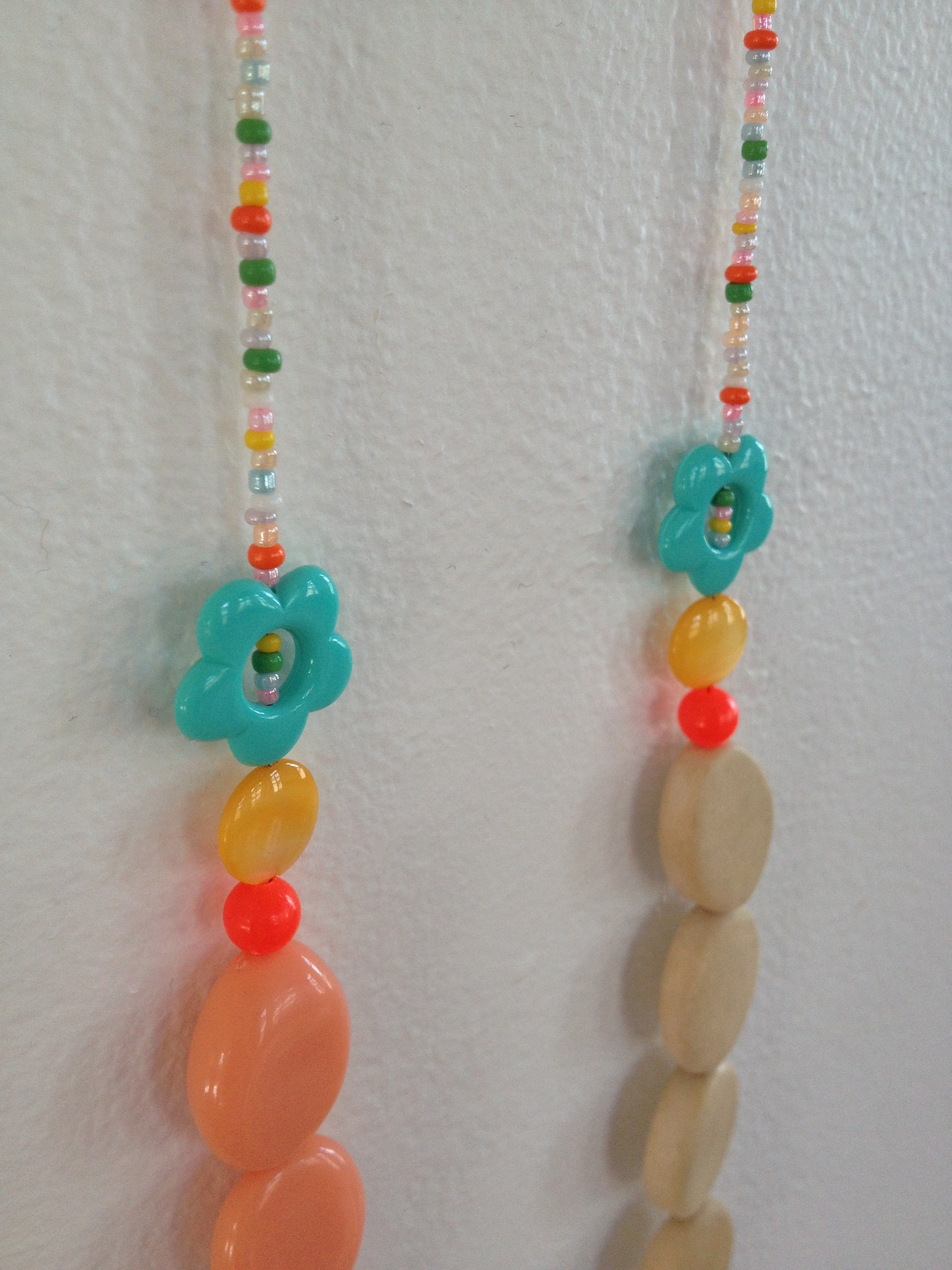Bonbon_Necklace_4_detail.jpg