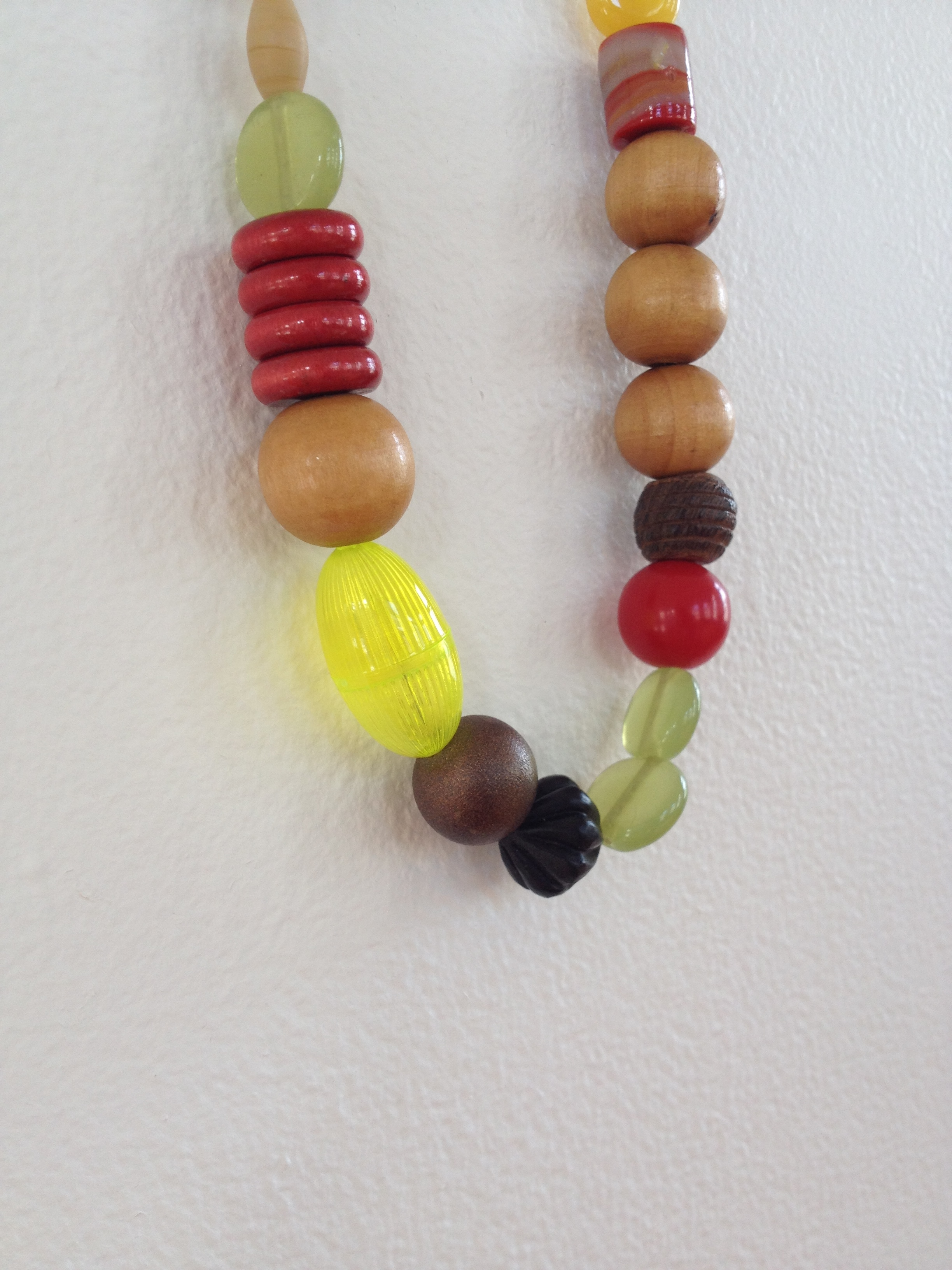 Bonbon_Necklace_1_detail1.jpg
