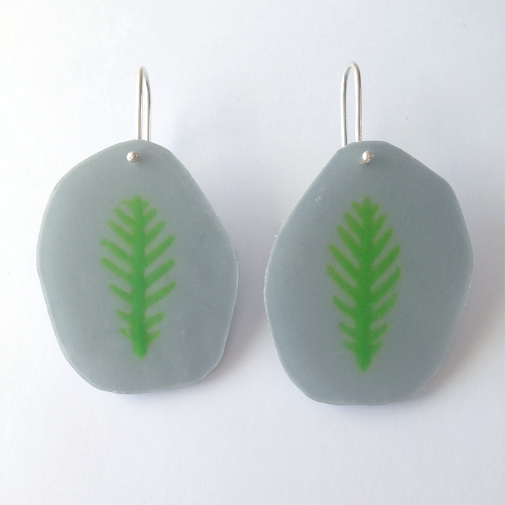 grey fossil earrings 1.png