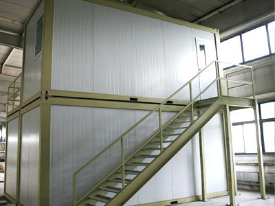 double-flooe-container-staircase.jpg