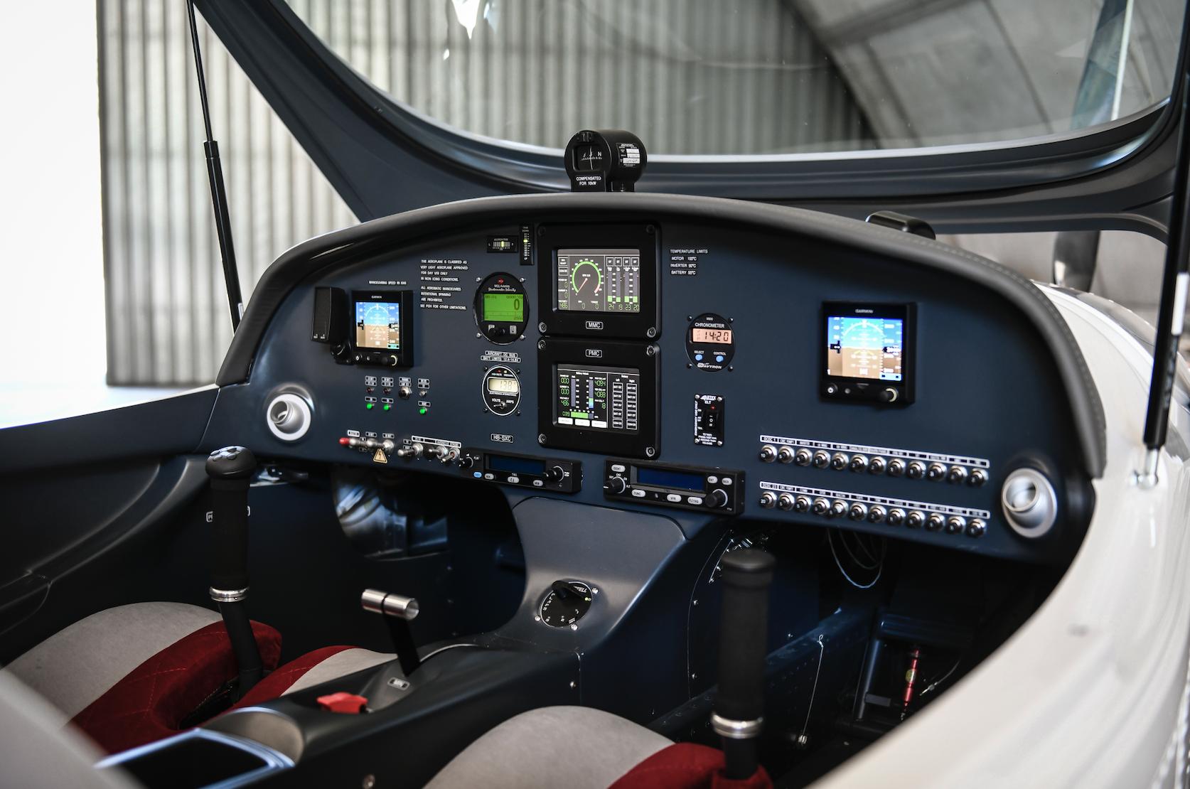 H55's Flight Trainer Cockpit  ©  H55 /  Florian Bloesch