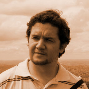 Gustavo Vitarelli - Prop Artist