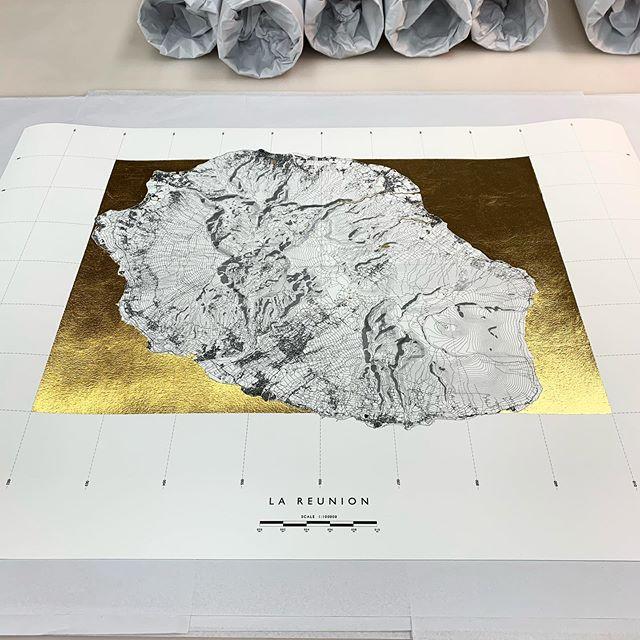 Islands in gold 👌🏻 . . . . . . . . #print #gold #willmakethings #art #wallart #detail #monochrome #minimal #interiors #architecture #cartography #commission #bespoke #design #designinspo