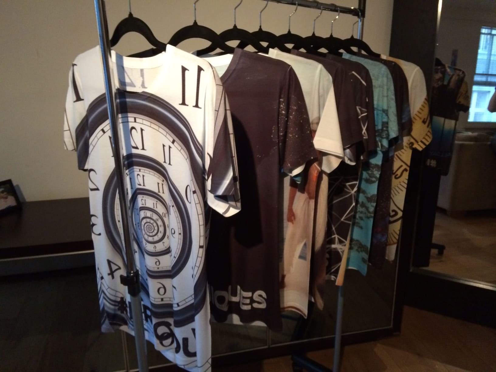 clothie-pitch-rail-of-clothes