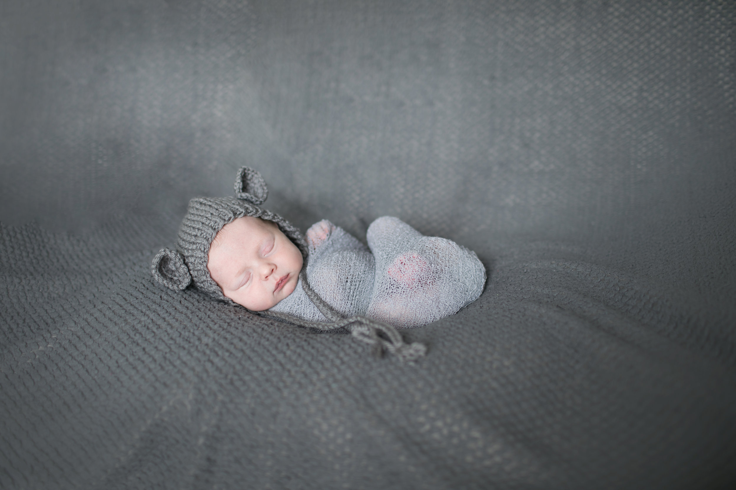 Newborn and Maternity - Elyse Bullard Photography