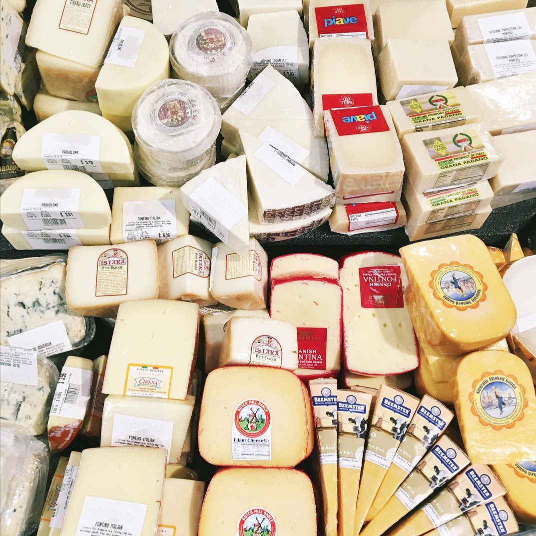 Vintage Grocers Award-Winning Cheese collection.png