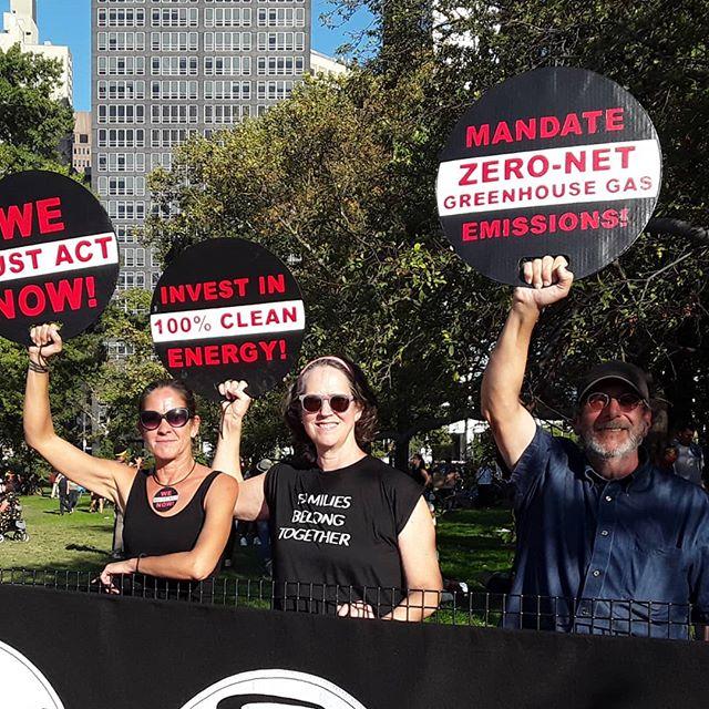 The warriors for climate justice: Alessandra Mondolfi, Margaret Seiler, Josh Rubin @alessandramondolfi @mcgseiler @witnesstornillo #globalclimatestrike #climatestrikenyc #climatechange