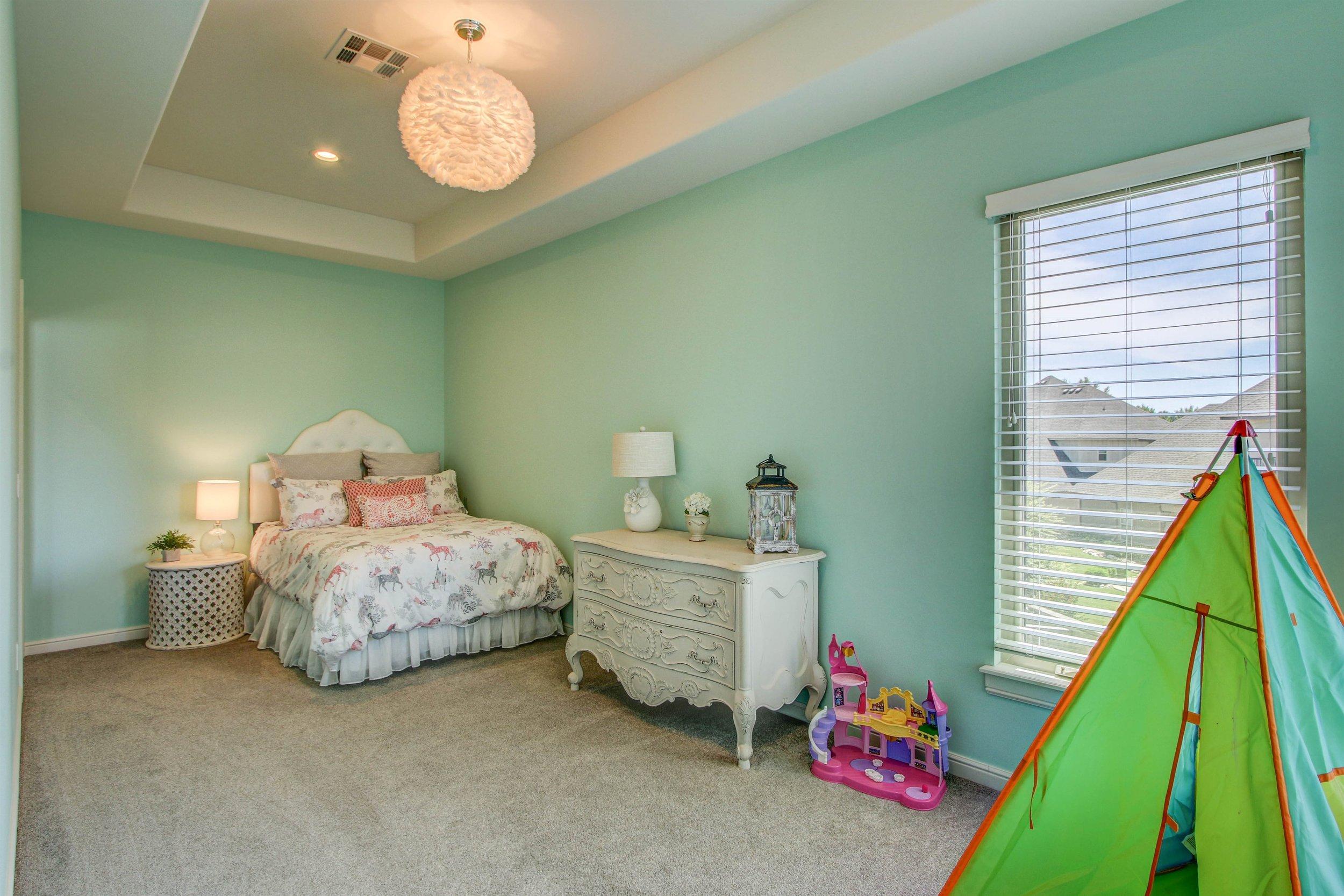 026_Bedroom.jpg