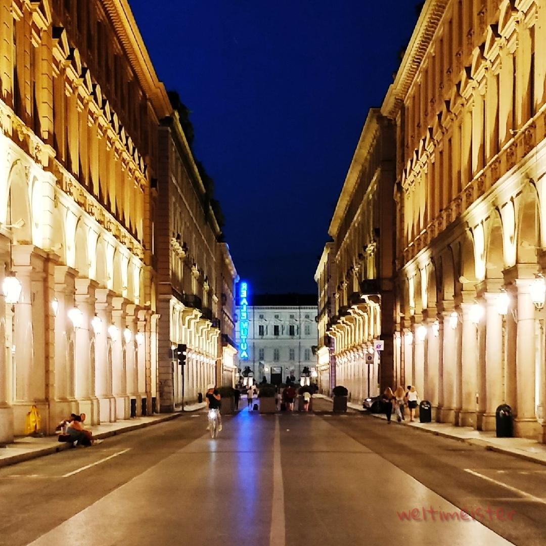 Turin - Via Roma.jpg