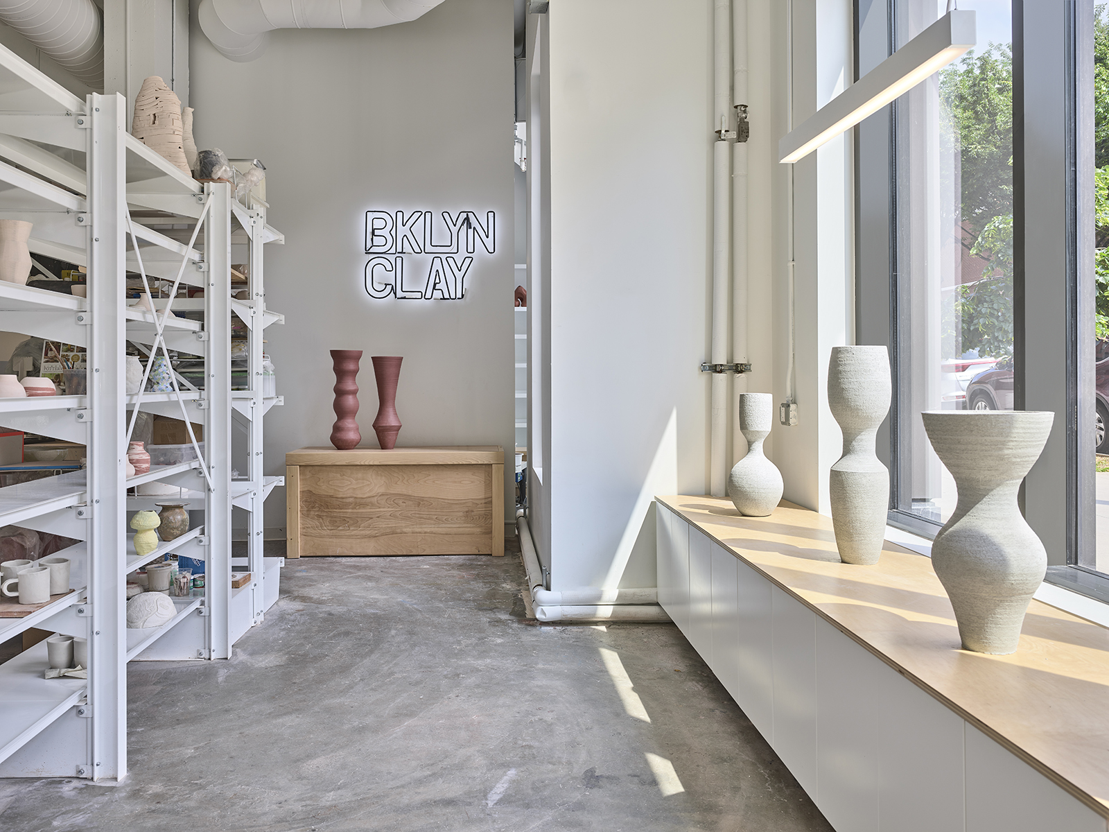 Photo FRANK OUDEMAN / Ceramic Vessels KYLE LEE