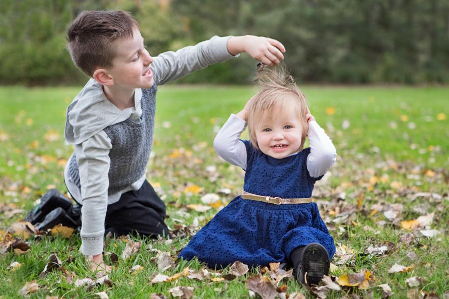 Lib-creative-autumn-siblings.jpg