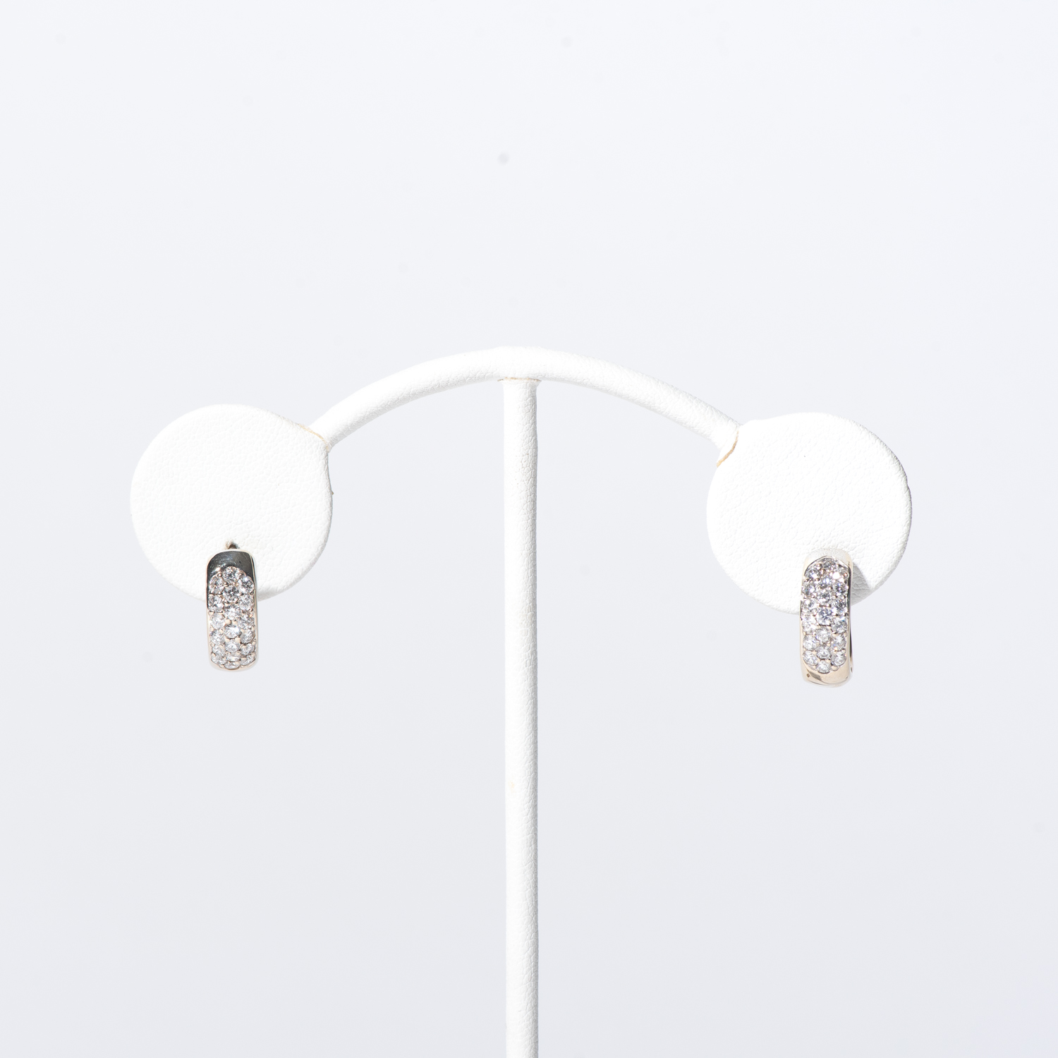 Design Sixteen. - This is dummy text to describe the earrings.