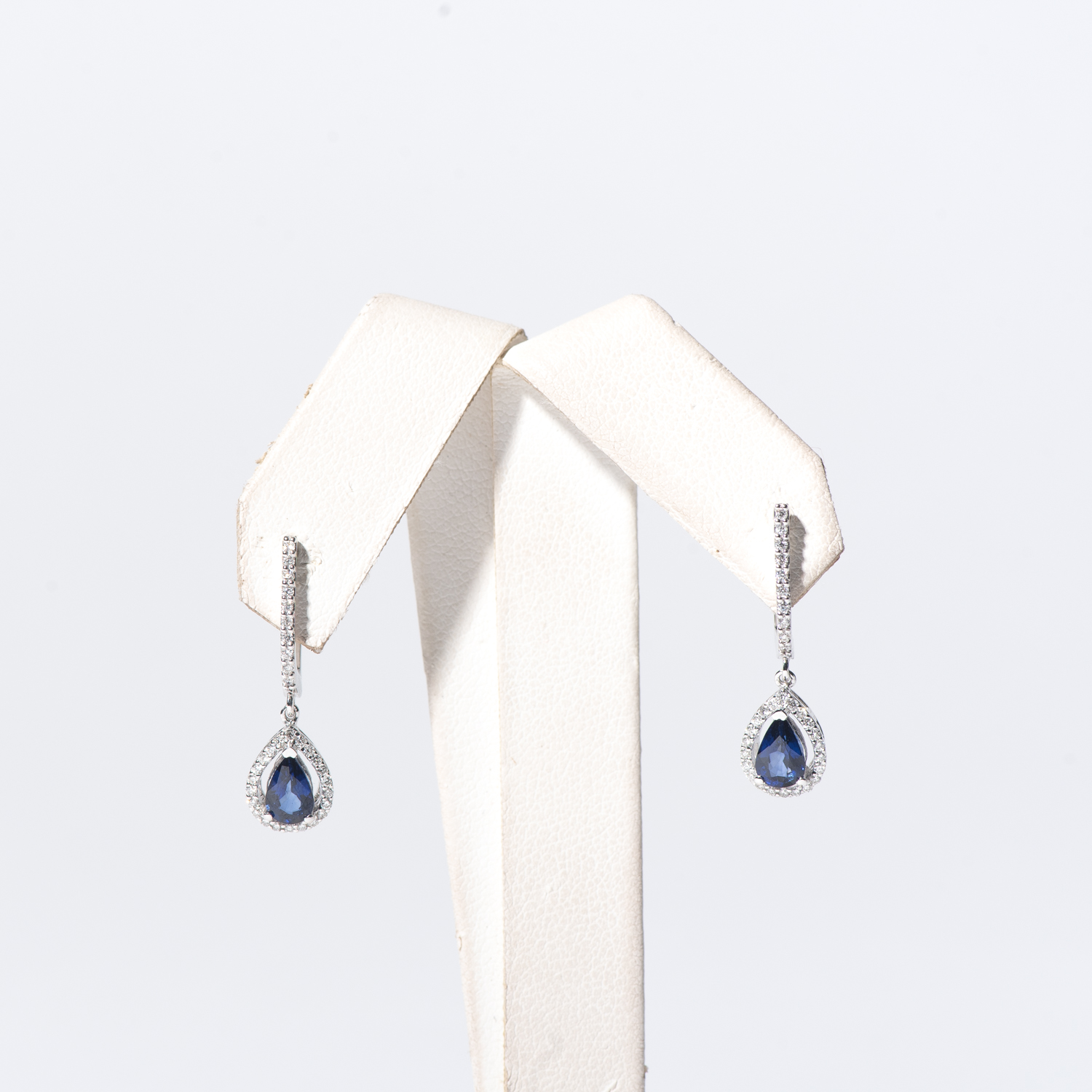 Design Eighteen. - This is dummy text to describe the earrings.