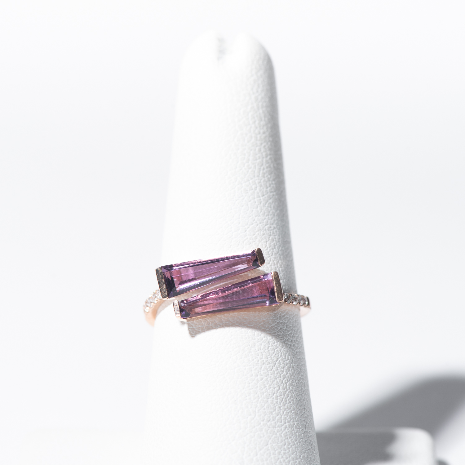 Design Sixteen. - 14K Rose Gold Modern Amethyst Ring