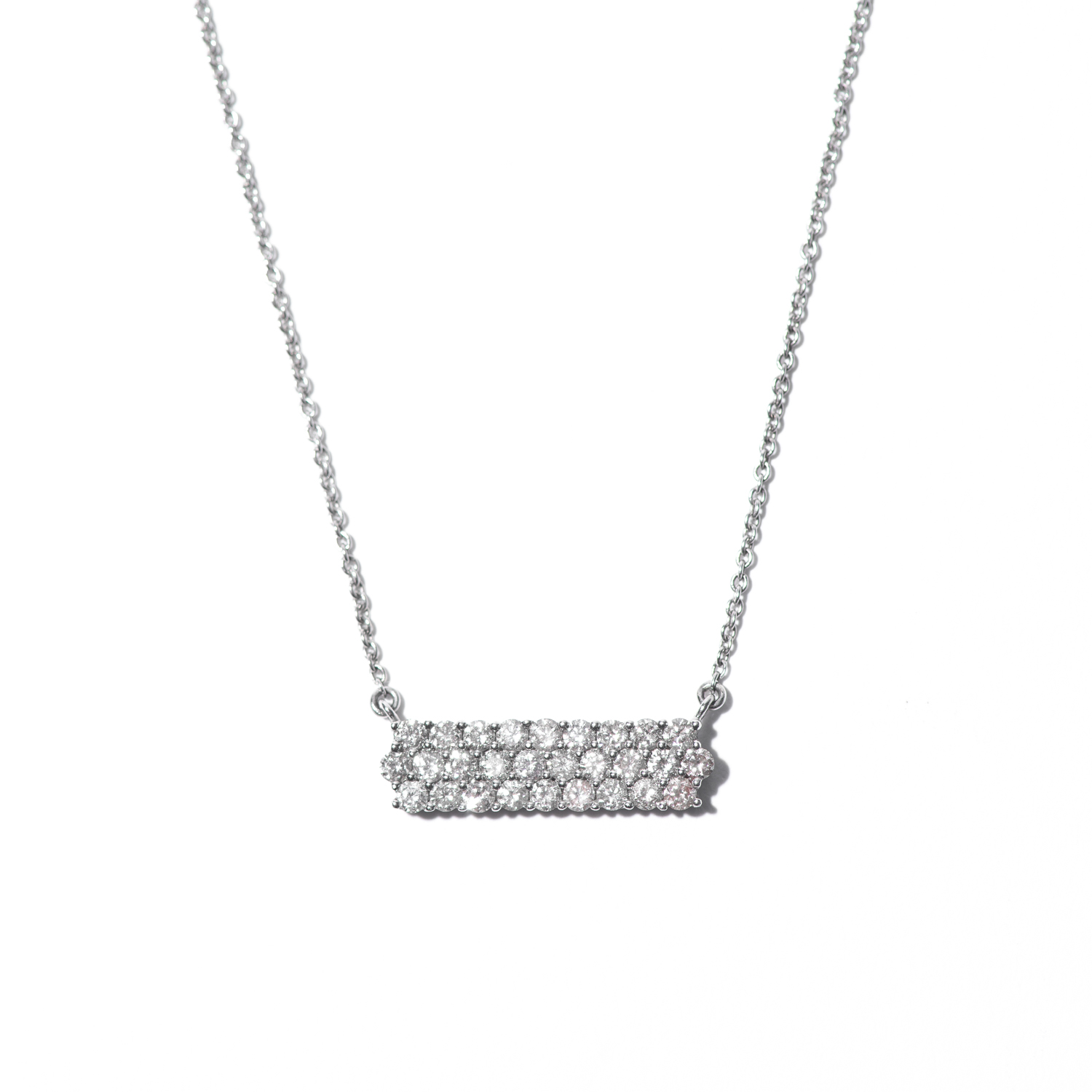 Design Nineteen. - Triple Set Diamond Necklace.