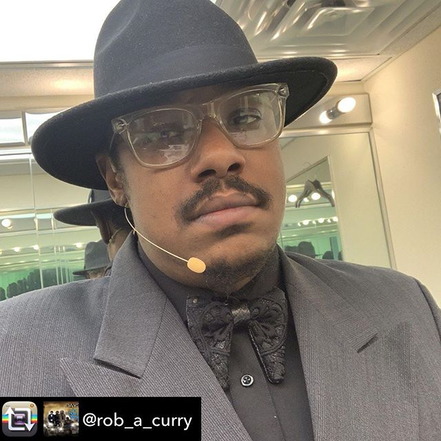 @rob_a_curry continues in the Martin Luther King Show for Black History Month! Thanks Mr. Curry for another winsome performance with a great cast. This show is non public for the Department of Education in the city of New York. Two sold out shows this week with 2 more in Brooklyn in a large venue onstage this March 2019!!! • • #blackhistorymonth #martinlutherking #mlk #theater #nyc #brooklyn #arts #newyork #culture #upcomingevents #onstage #students #nycschools #march2019 #blackculture #blacktheater #day26 #robcurry