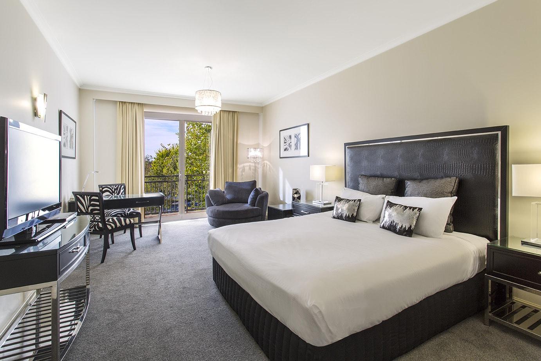 best-western-plus-the-carrington-shepparton-hotel-accommodation-executive-king-2.jpg