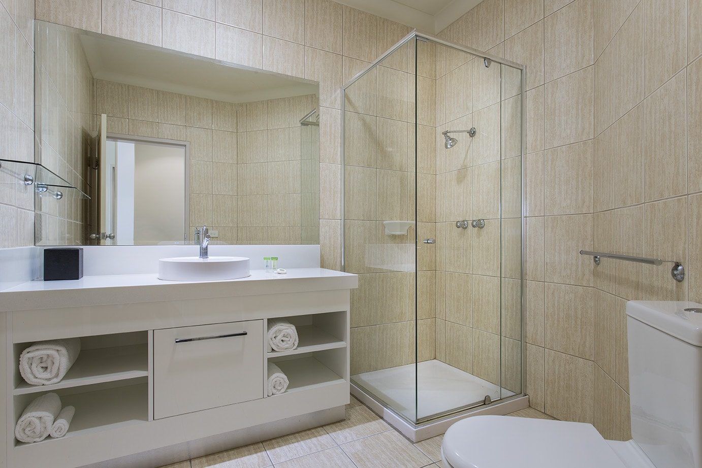best-western-plus-the-carrington-shepparton-hotel-accommodation-executive-suite-4.jpg