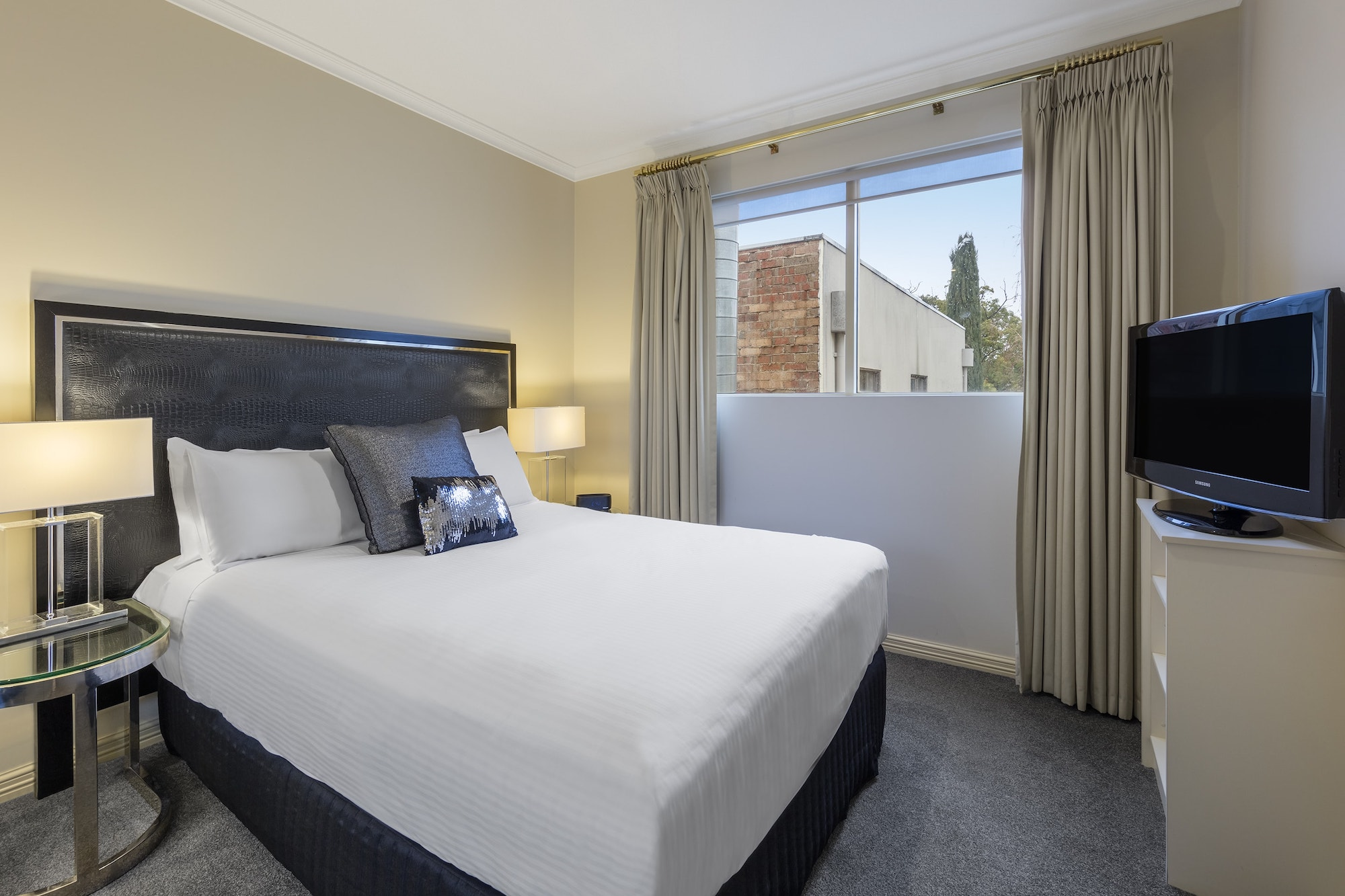 best-western-plus-the-carrington-shepparton-hotel-accommodation-apartment-1.jpg