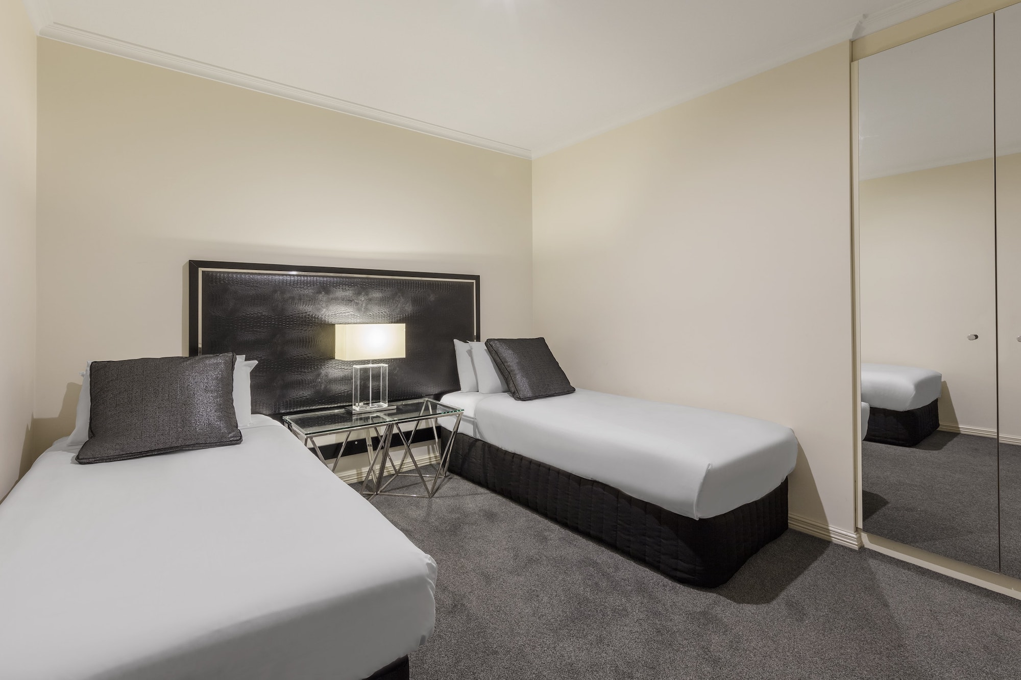 best-western-plus-the-carrington-shepparton-hotel-accommodation-apartment-4.jpg