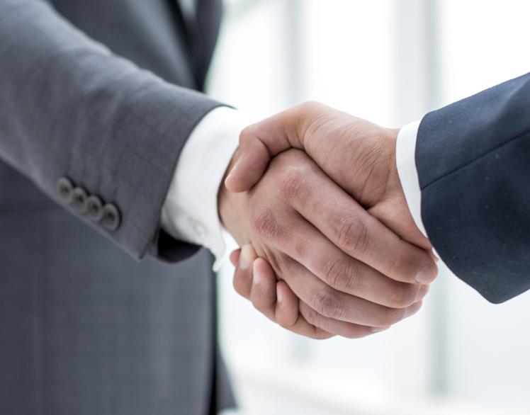 Wie zijn de juiste externen voor uw familiebedrijf?Het is onze expertise om u te begeleiden in deze belangrijke aangelegenheid. -