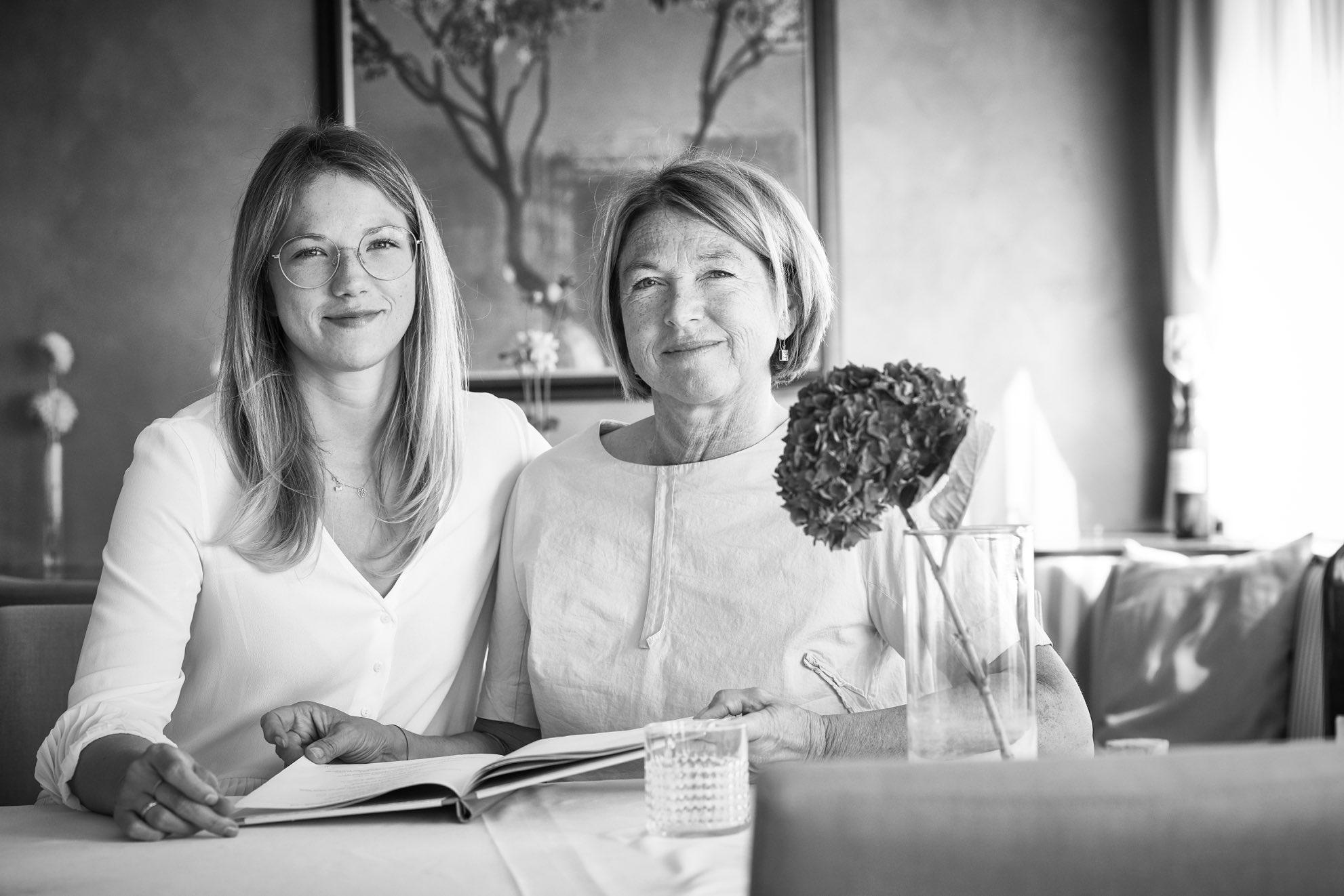 Iris&MariaRestaurant1-2.jpg