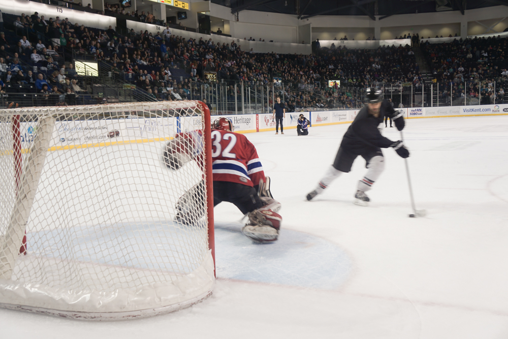 "Rematch in front of a live WHL crowd - With the support of the House and the Seattle Thunderbirds, we offer the winners a ""rematch"" during the Seattle Thunderbirds game on the day of the Hockey Challenge. Score goals - showcase rematch."