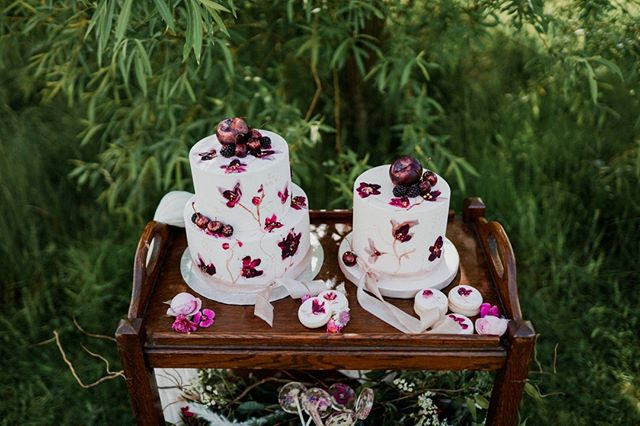 Cakes too good to eat 🥰 Be sure to follow @sadiemaycakes for all your cake (or biscuit!) needs. ⠀⠀⠀⠀⠀⠀⠀⠀⠀ .⠀⠀⠀⠀⠀⠀⠀⠀⠀ .⠀⠀⠀⠀⠀⠀⠀⠀⠀ .⠀⠀⠀⠀⠀⠀⠀⠀⠀ .⠀⠀⠀⠀⠀⠀⠀⠀⠀ .⠀⠀⠀⠀⠀⠀⠀⠀⠀ #weddingplanner #wedding #weddingday #bride #eventplanner #weddinginspiration #weddingphotography #weddings #weddingplanning #weddingdress #love #weddingdecor #destinationwedding #weddingideas #weddingphotographer #bridetobe #weddingorganizer #bodas #groom #matrimonio #weddinginspo #instawedding #events #party #photography #bridal #luxurywedding #event #engaged #bhfyp