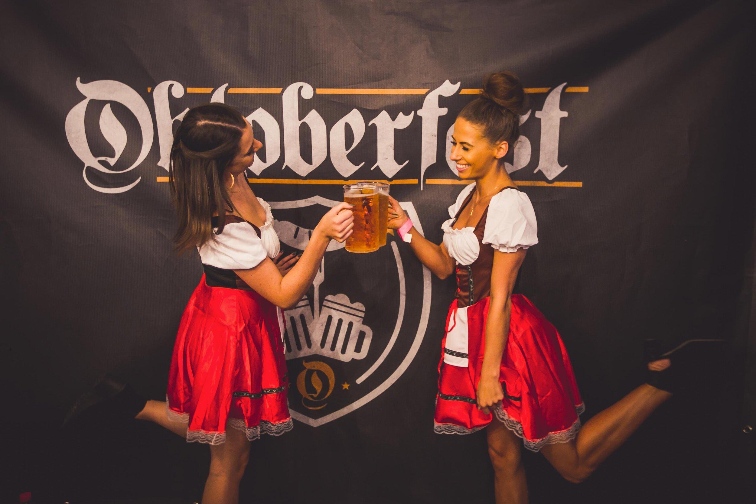 Oktoberfest-promo-girls-cheers.jpg