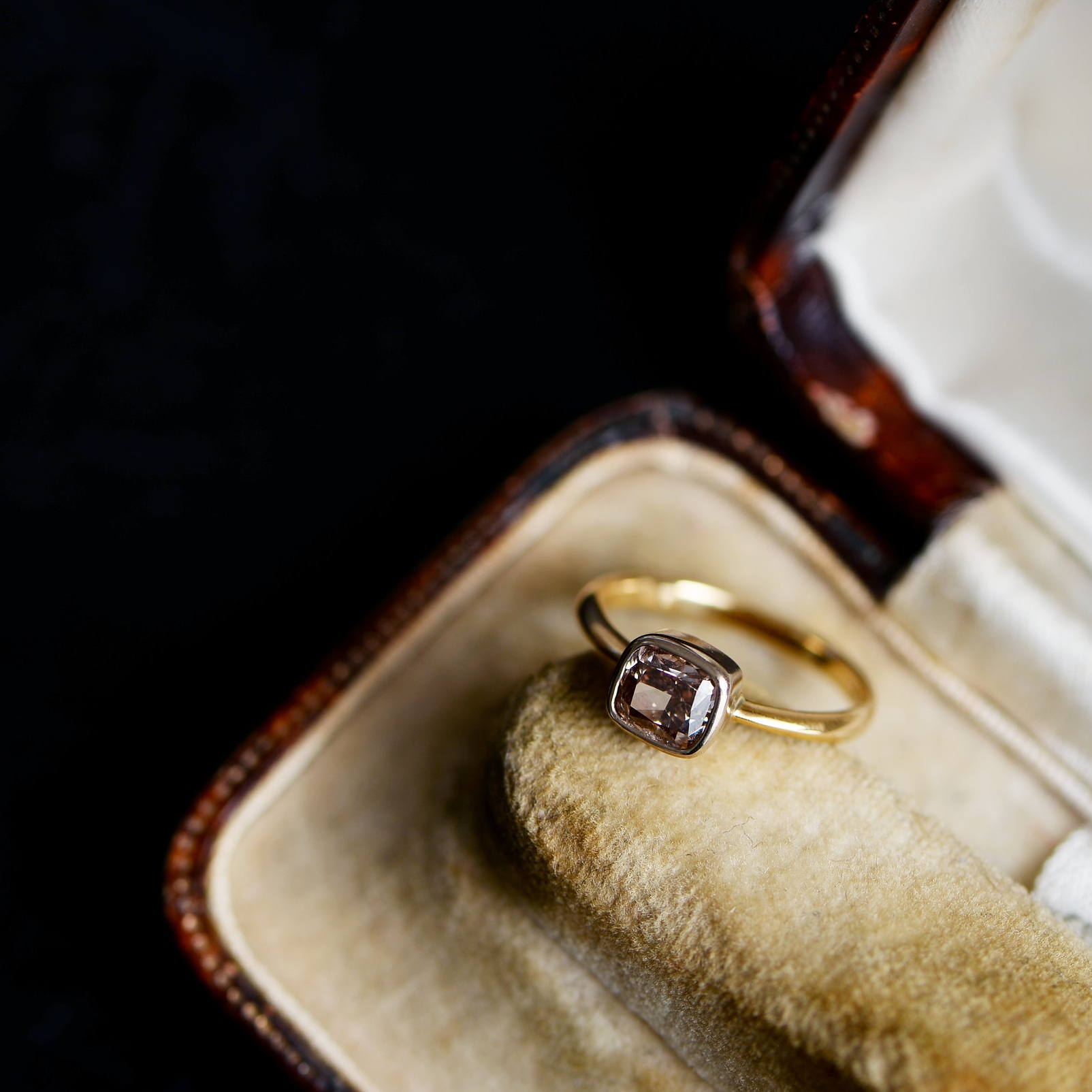 Solitaire ring(brown)