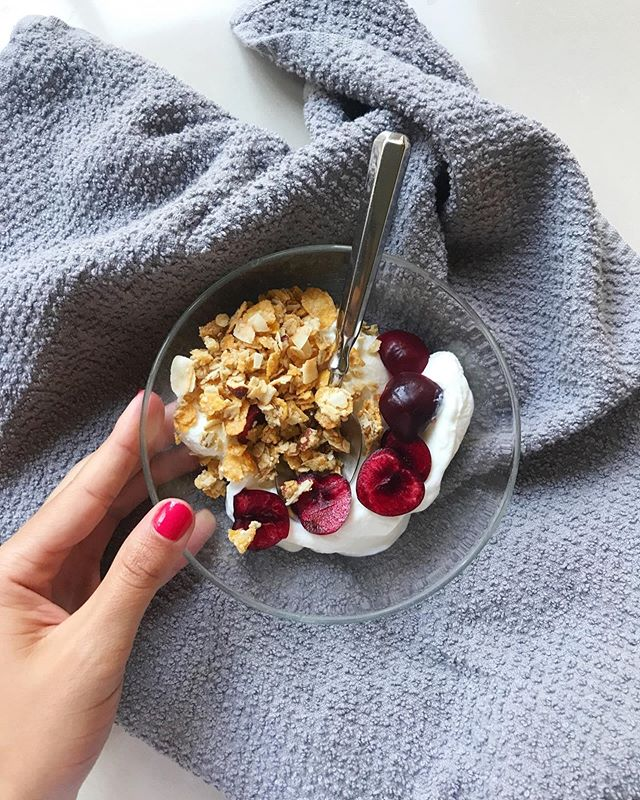 A little crunchy-smooth, sweet-tangy! I was walking through Trader Joe's picking up dinner items and asked myself what sounded good for a snack till then and this was born.  Some full fat plain yogurt + some full fat coconut + cherries and coconut granola. Satisfying for sure! Now if my TJ's would hurry up and re-stock figs that would be amazing 😍I'm all about summer fruit!
