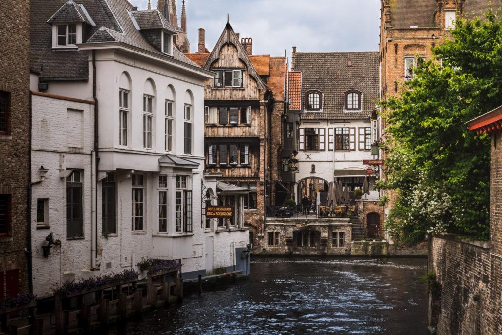 Bruges-canal-1024x683.jpg