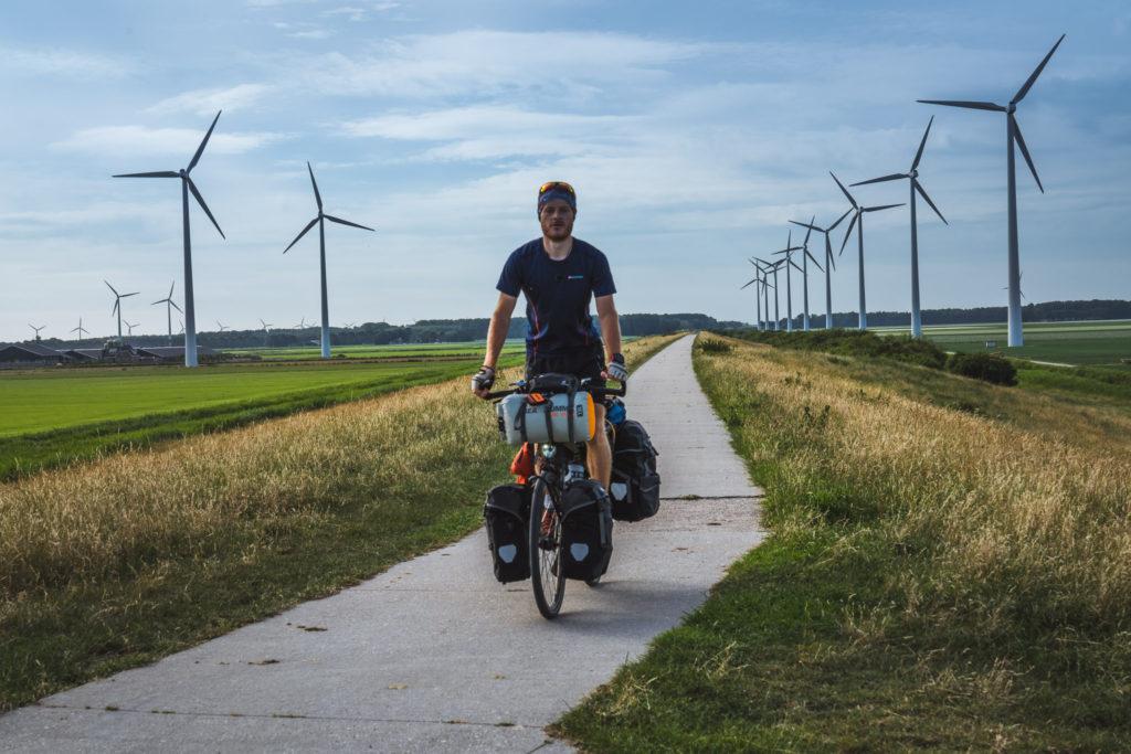 Netherlands-wind-turbine-selfie-1024x683.jpg