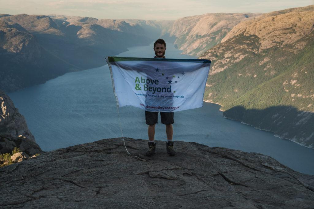 Preikstolen-summit-with-flag-1024x683.jpg