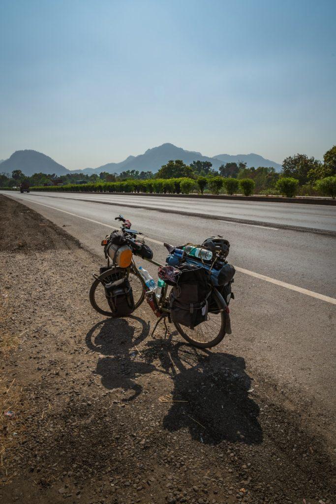 Crossing into Maharashtra