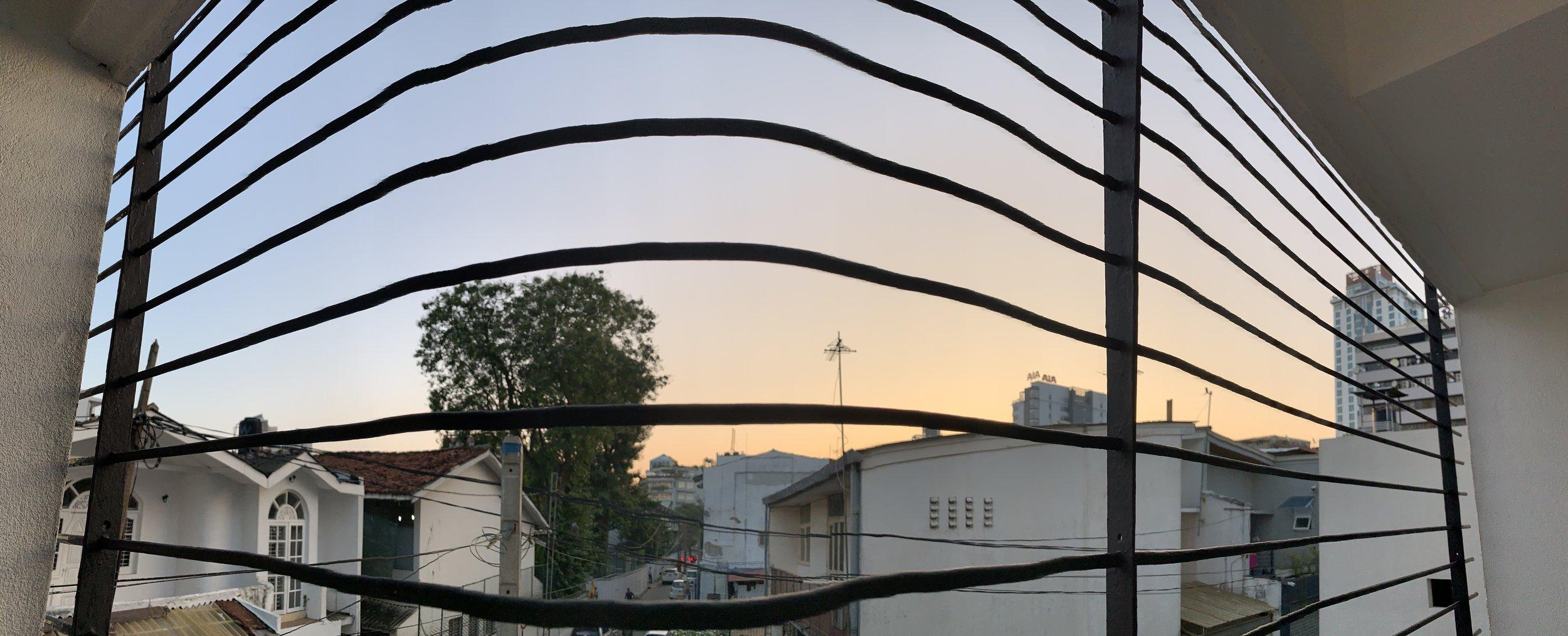 Der Abendhimmel über Colombo.jpg