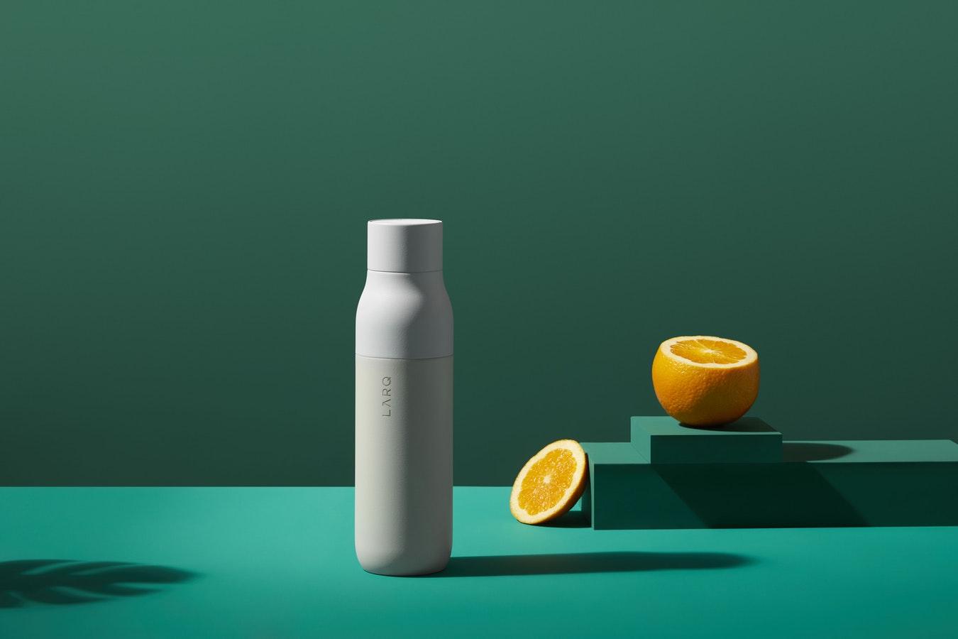 LARQ Flasche mit Orangen