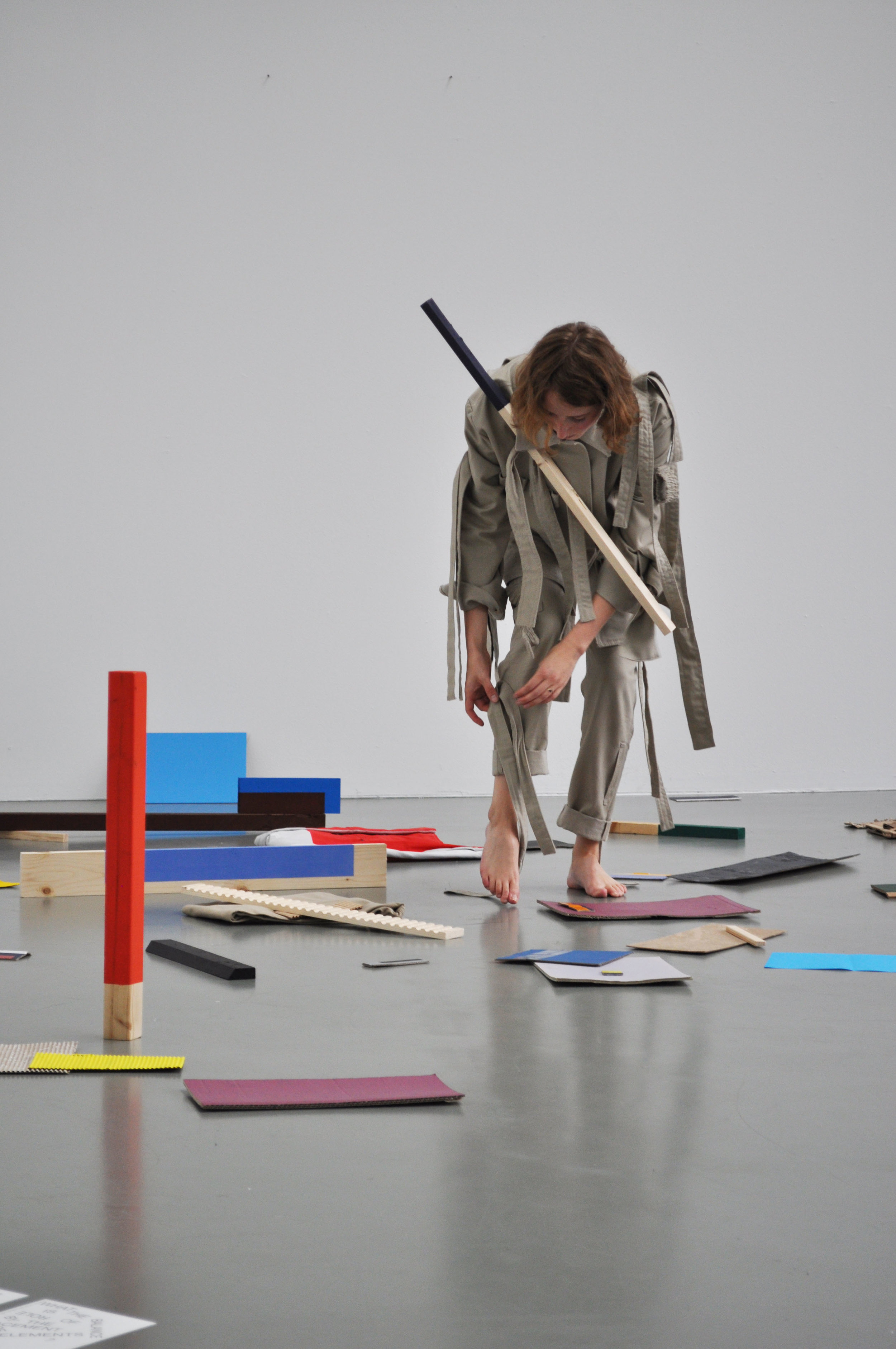 Performance 'How to deal with the restrictions of a system?', 2017 / Fotografie: Thijs de Goede