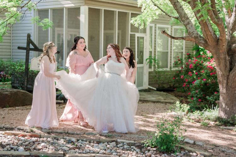 BridalSuite_2019-04-27---Brittany-_-Sean-Bottoms-Wedding_Krystal-Dawn-Photography--0763.jpg