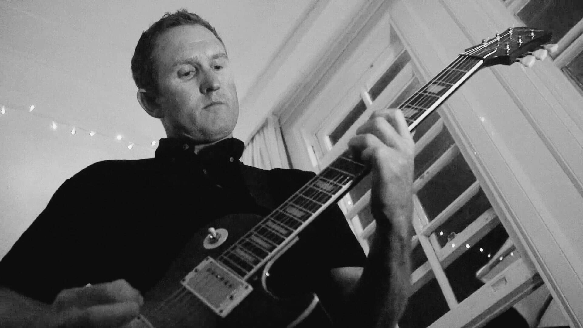 Wayne Bowman - Lead guitar and backing vocals