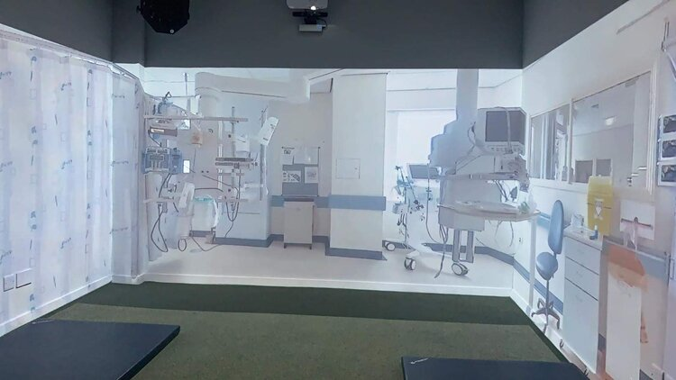 A 3 wall medical immersion room