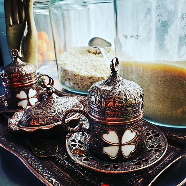The mother phase of my life seems to have robbed me of things like evening espresso. A treat I used to love, now it keeps me up all night. I need it tonight, but I need my sleep more. So I brew herbal tea and give the coffee looks of longing. Getting all prepped for @mysticsouthconference !  #behindtheart #witchkitchen #kitchenwitch #witchyaesthetic #countrykitchen #artlife