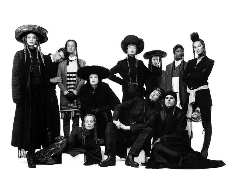 Jean Paul Gaultier e a inspiração nos judeus ortodoxos, 1993 (clique na imagem para video)