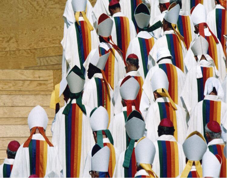 O Vaticano por Castelbajac (clique para vídeo)